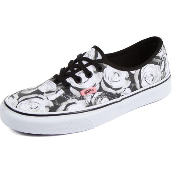 ce903c78d4466d Vans Digi Roses black and white